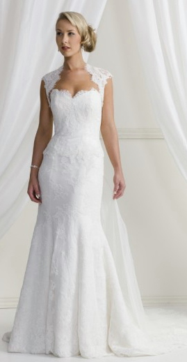 Best Wedding Dresses For Petite Curvy : Wedding dresses style guide small or large bust petite