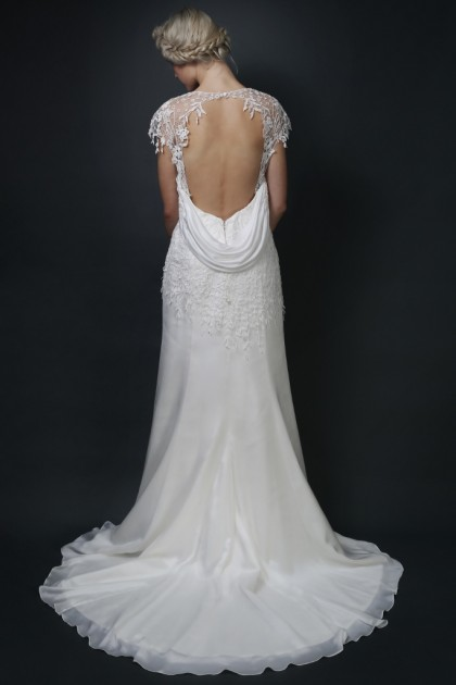 Wedding Dresses Small Bust Large Hips : Wedding dresses style guide small or large bust petite